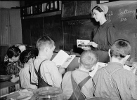 Mennonite_Classroom_Pennsylvania_1942